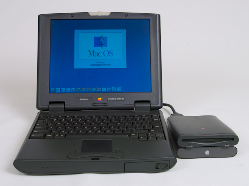 powerbook2400c-front with floppy
